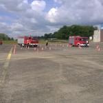 Zwei Feuerwehr-Fahrzeuge im Parcours